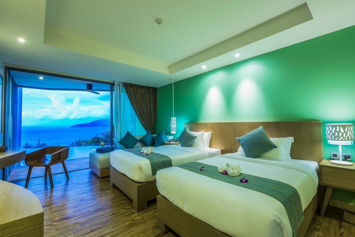 Patong Best Sea View | Deluxe Pool Access Sea View | Crest Resort ...