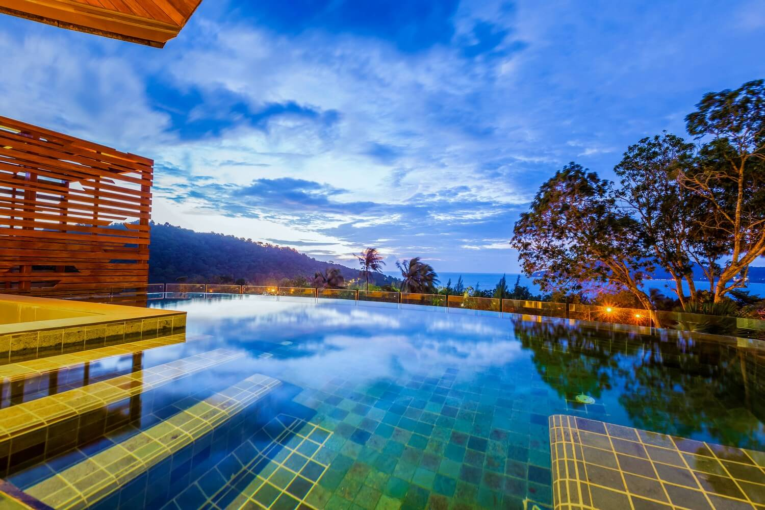 Deluxe Pool Access Seaview | Crest Resort & Pool Villas